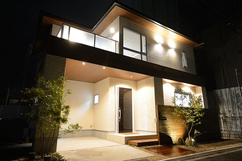 岸野町の家 夜の外観